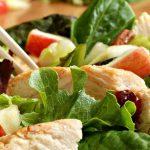 Salade met kipreepjes en appel