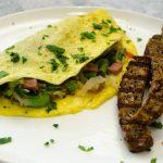 Chinese Omelet met Groente, Ham & Gegrild Eiwitrijk brood