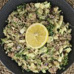 Eiwitrijke maaltijdsalade met quinoa, courgette en tonijn